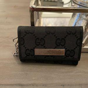 Gucci black 6 key wallet holder